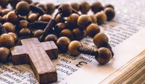 Cómo comprar cuentas para hacer rosarios